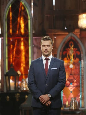 The Bachelor Chris Soules prepares to make one of the most difficult choices of this life, having narrowed down the field to two women - Becca and Whitney - both of whom he is falling in love with. Will Chris get down on one knee and propose to the woman of his dreams and make a life with her in Arlington, Iowa?