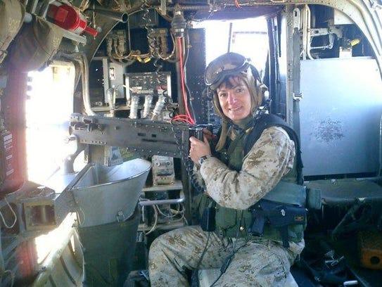 -PIC sharon in helicopter.jpg_20140322.jpg