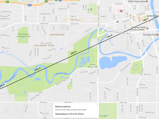 A screen capture of a map showing the distance between the Iowa State Capitol and the spot where a photo was shot of the moon rising behind it.