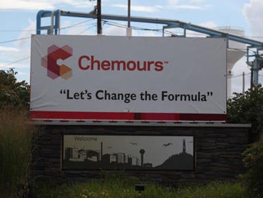 635816346129916129-chemours2