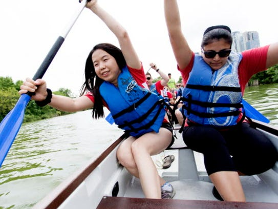 dragonboat - Rockwell Automation team members Jing