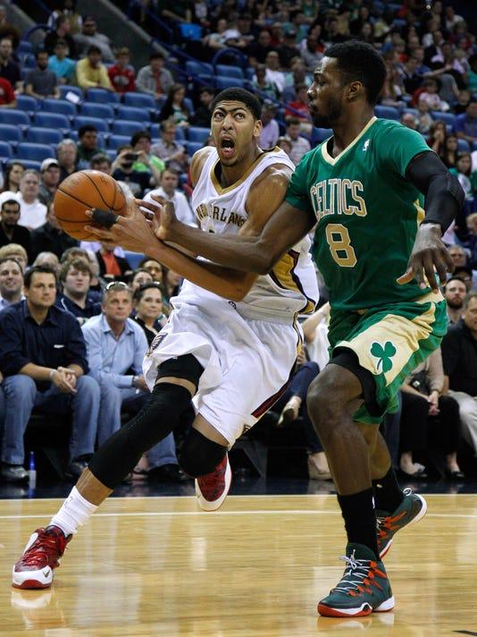 -ANIBrd_03-17-2014_TownTalk_1_B001~~2014~03~16~IMG_Celtics_Pelicans_Bas_2_1_.jpg