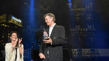 Inside Randy Travis' emotional night at CMA Fest