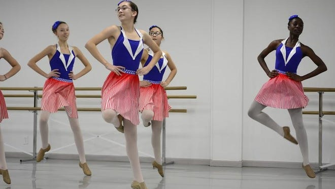 """The Greater Lansing Ballet Company's """"An American Nutcracker Ballet"""" puts a 1940s spin on a classic."""