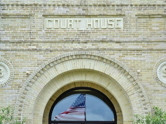 courthouse front_2393 (1024x581)