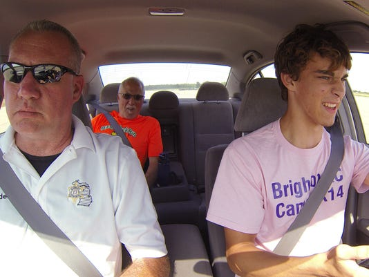 635941627406897858-Distracted-Driving-01.jpg