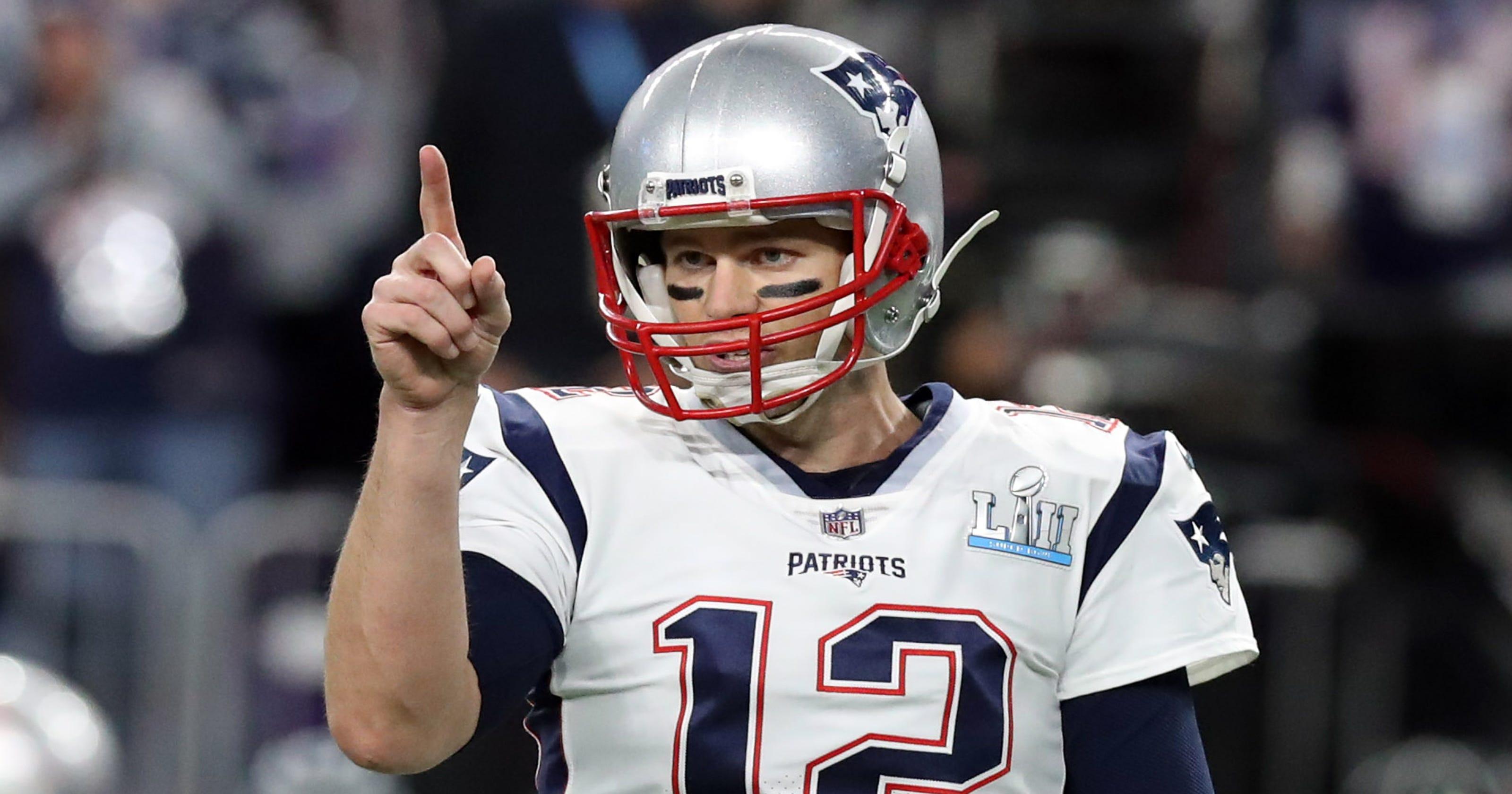 43b33f41 Tom Brady leads NFL merchandise sales as six quarterbacks make top 10