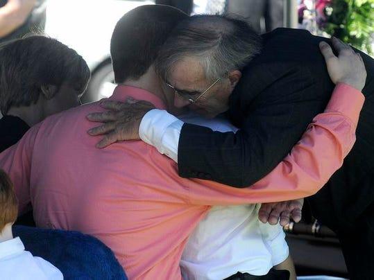 BUC 0527 Mayor Roger Moore funeral schiefer.jpg