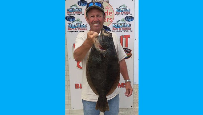 Mike Skelly had a good day on the water hunting for flounder. He was able to nail this 6 pounder for the table.