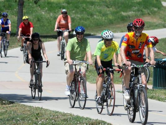 FTC0609-gg bike ride