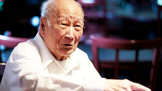 David Leong, who created the now famous Springfield style Cashew Chicken, has died just short of his 100th birthday.