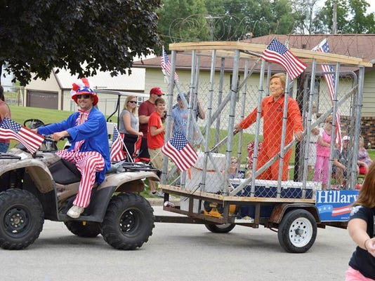636058268698186167-Hillary-Clinton-float.jpg