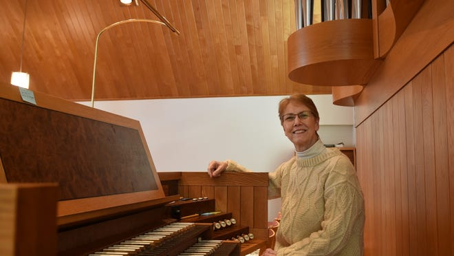 Judith Jackson will conduct the Bach Cantata BWV 80 at 9 a.m. Sunday at Shepherd of the Bay Lutheran Church, 11836 Wisconsin 42, Ellison Bay.
