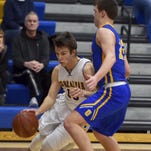 Eagles keep lead with last-second win