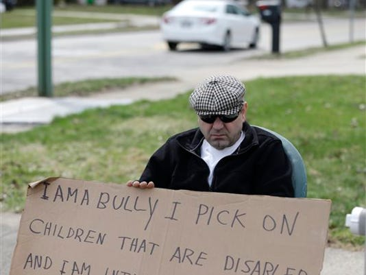 APTOPIX I Am a Bully _Mann.jpg
