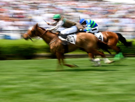 IROQUOIS STEEPLECHASE: Three Kingdoms barely beats