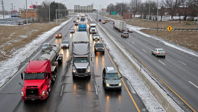 One lane of I-65 N will be closed near Nashville on Saturday night.