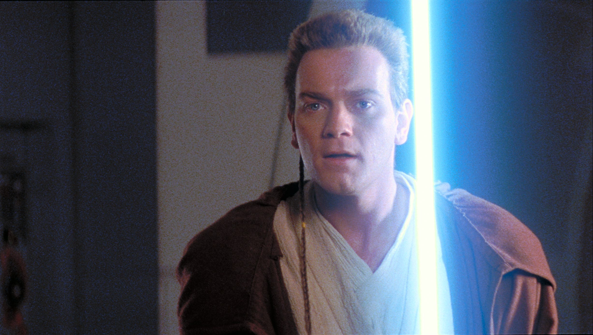 Star Wars At D23 Ewan Mcgregor Returns As Obi Wan Kenobi To Disney