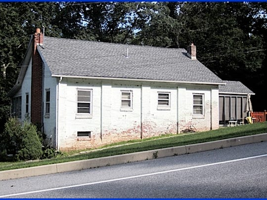 Former River Hill One-Room Schoolhouse, East Manchester Township, York County, PA (2015 Photo, S. H. Smith)