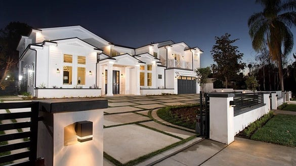Jordan Clarkson bought a $3.2 million Los Angeles home during the Cavs' playoff run