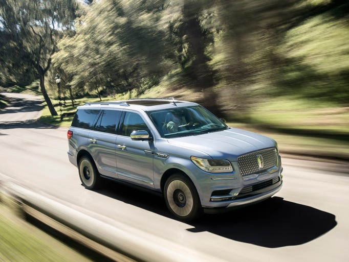 The 2018 Lincoln Navigator combines modern luxury with