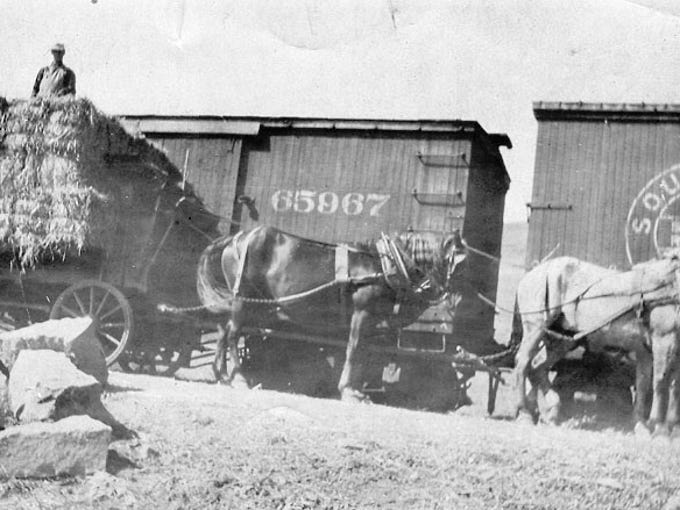 1902: The Arizona Eastern Railway began to establish