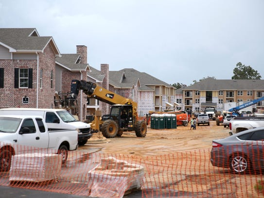 Construction continues on Arbor Crossing at Buck Lake,