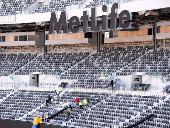 2014-01-22-metlife-snow-2