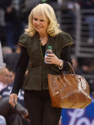 Shelly Sterling still wants to retain partial ownership of the Clippers.