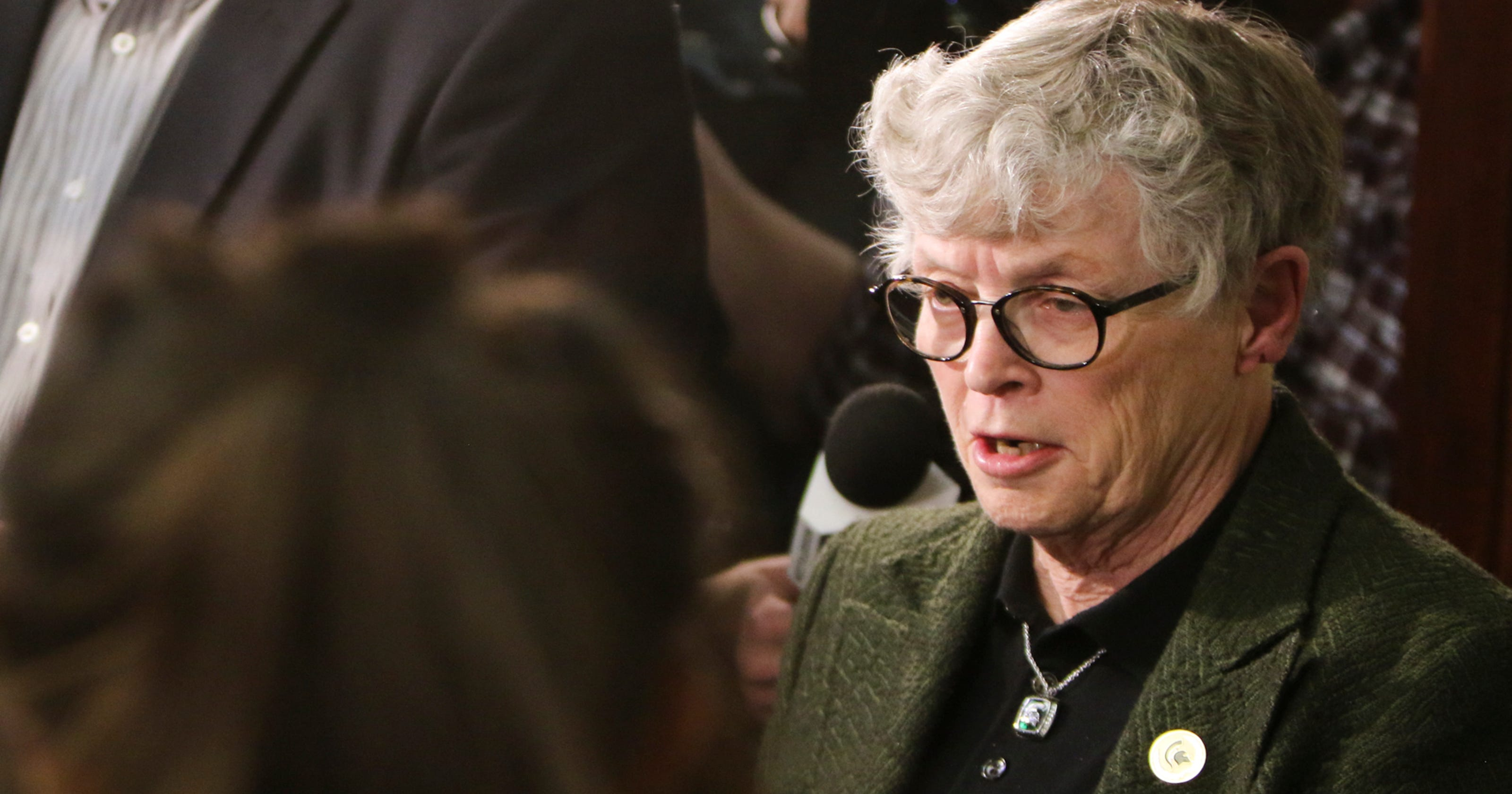 Ex-MSU president Lou Anna Simon charged with lying about