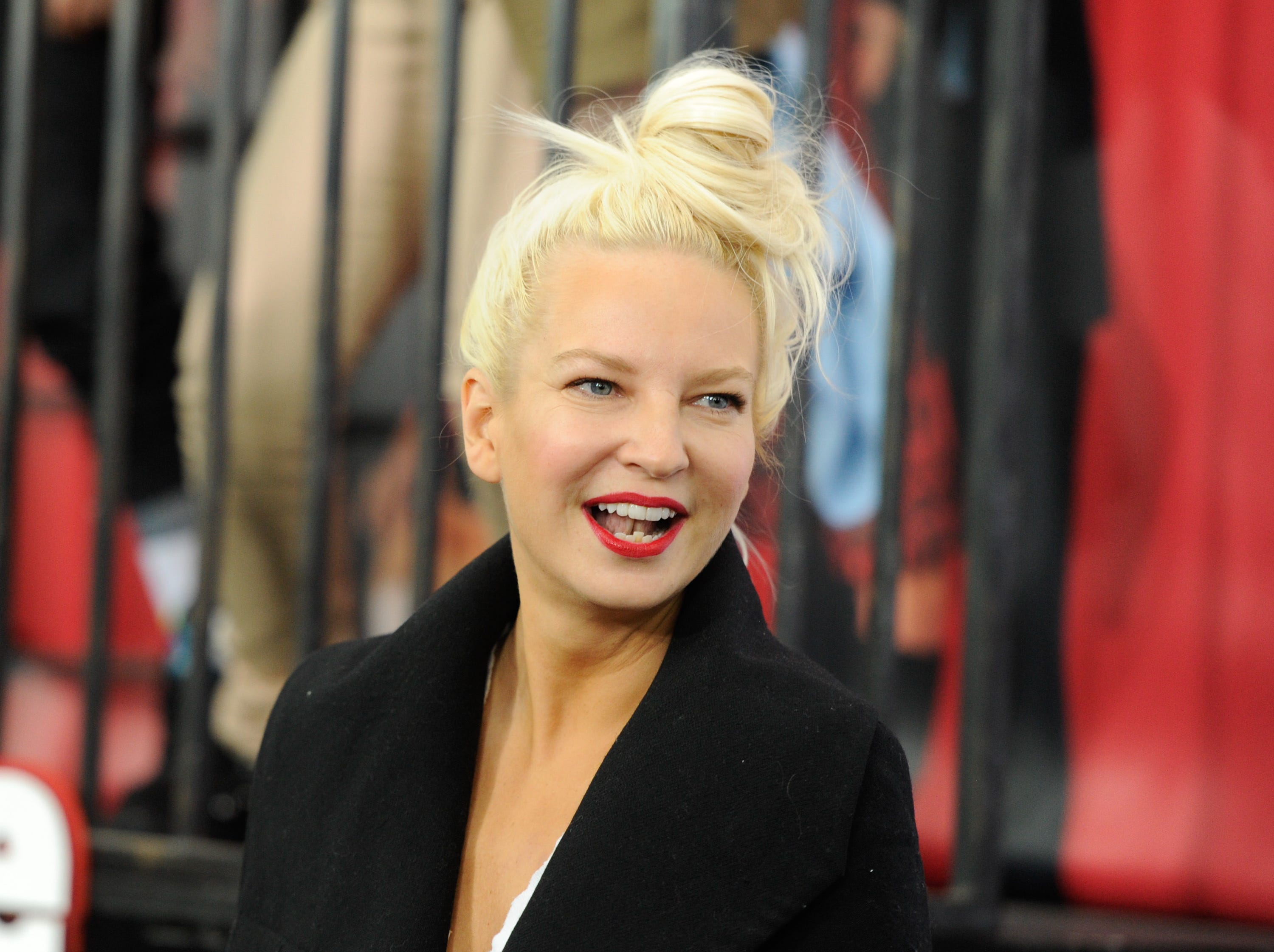 Showing images for sia furler oops xxx