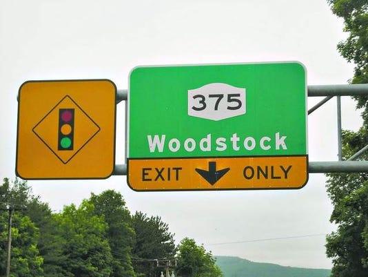 woodstock_hwy_sign