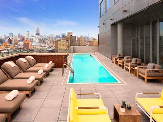 635881916080382384-Hotel-Indigo-pool.jpg