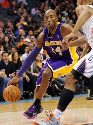 Kobe Bryant and the Lakers snapped a three-game losing streak.