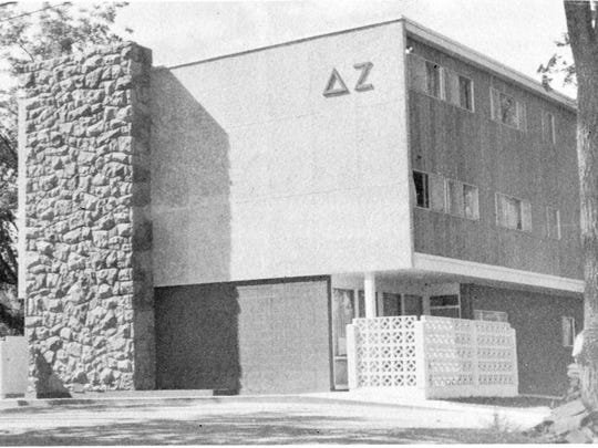 The Delta Zeta sorority in 1962.