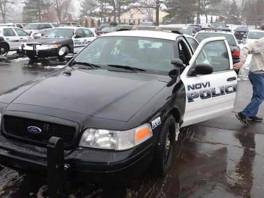 IMG_NNO_PoliceCarReplace_1_1_4T64U2PP.jpg_20140116.jpg