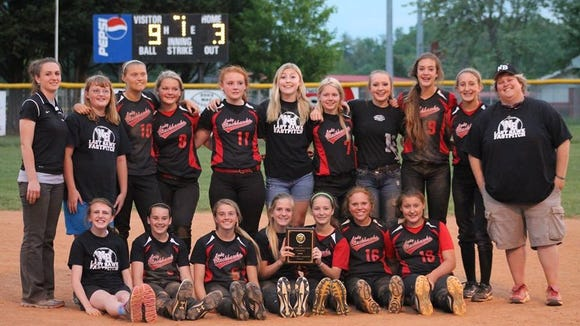 North Buncombe Middle School's softball team.