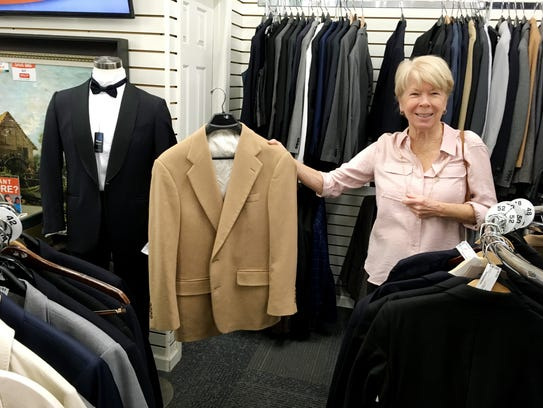 Ms. Cheap's shopping pal Jo Schofield spotted a nice men's Camel Hair blazer for $35.99 and a $3,000 tuxedo priced at $499 at the Unclaimed Baggage Center.