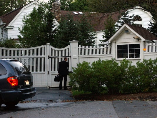 CLINTONS' HOME