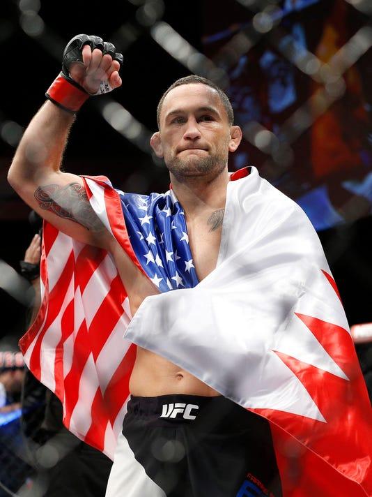 635854806394031846-UFC-Mixed-Martial-Art-Feit.jpg