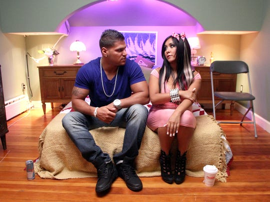 """Ronnie Ortiz-Magro and Nicole """"Snooki"""" Polizzi wait in the """"smoosh room"""" at the """"Jersey Shore"""" house in Seaside Heights in 2011."""