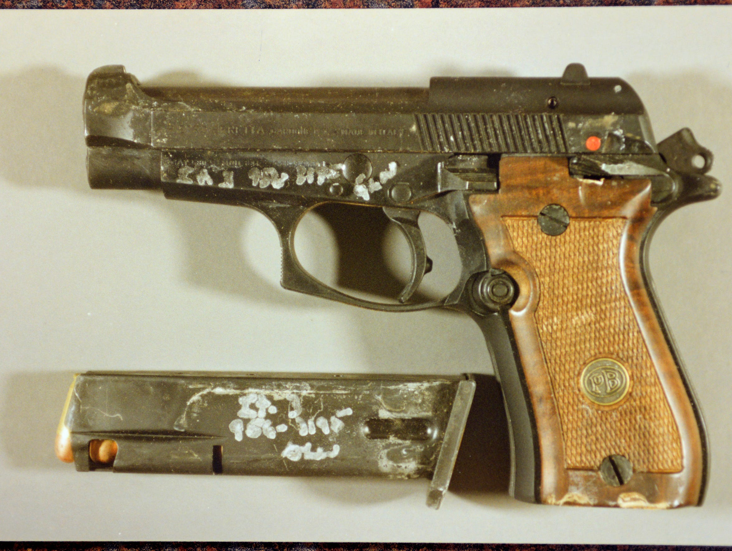 A .380 Beretta pistol was used by Thomas Kantor to