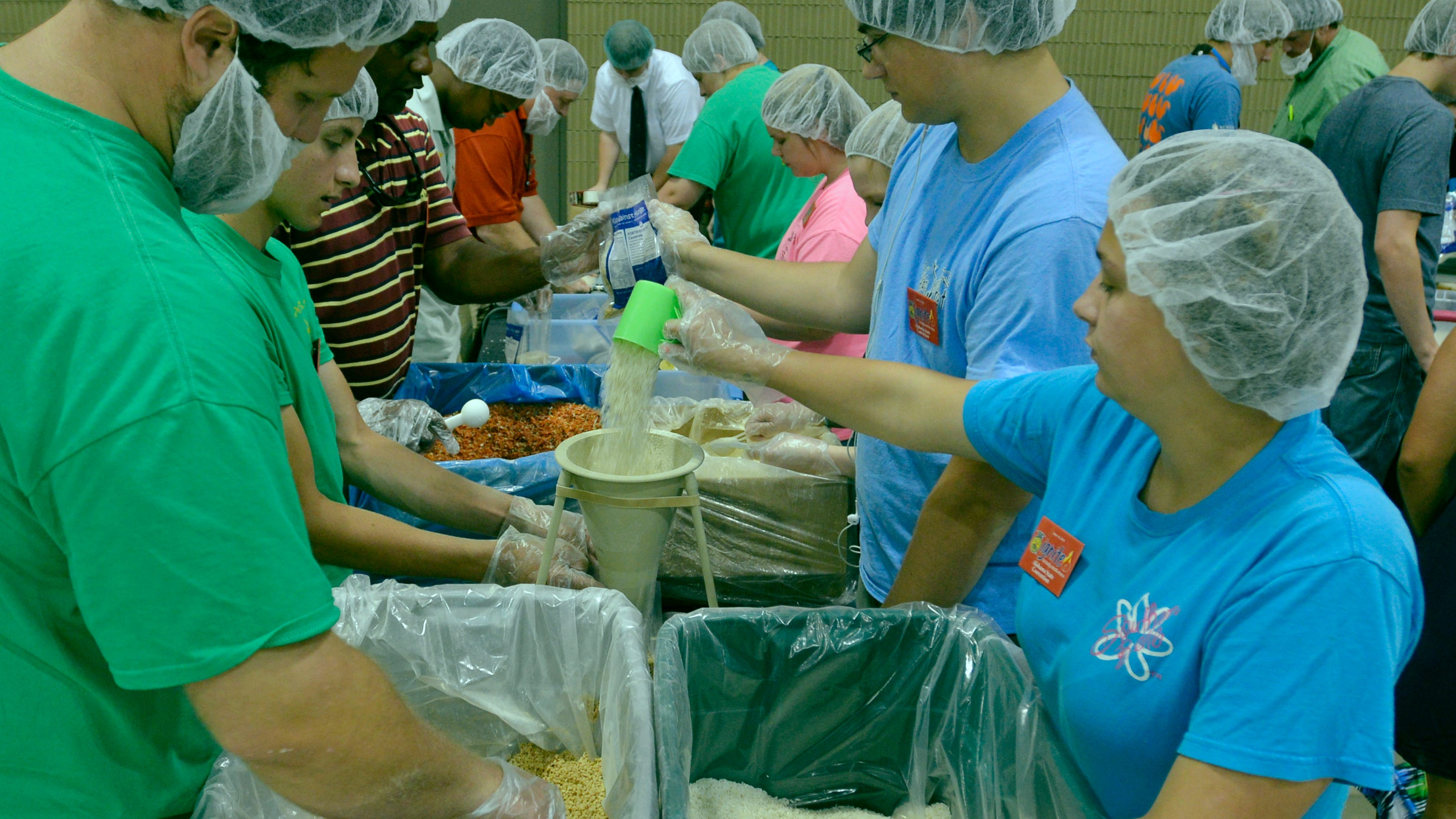 Alabama students make 75 000 lunches for homeless for Build a house for 75000