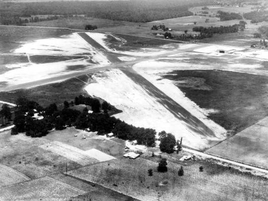 An aerial photograph of Dale Mabry Field from 1938.