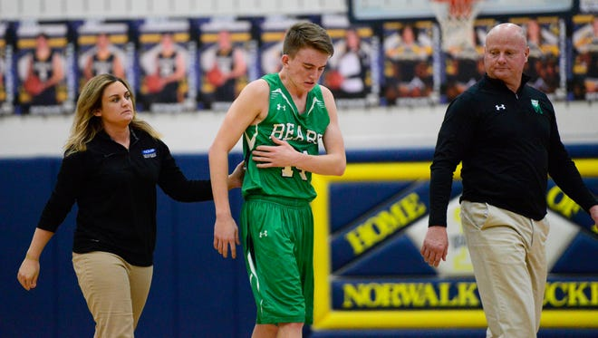 Margaretta's Dylan Morris left with a bruised rib but returned to hit the go-ahead 3-pointer in the sixth overtime Thursday.