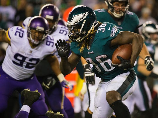 Eagles Running back Jay Ajayi, 36, runs downfield Sunday