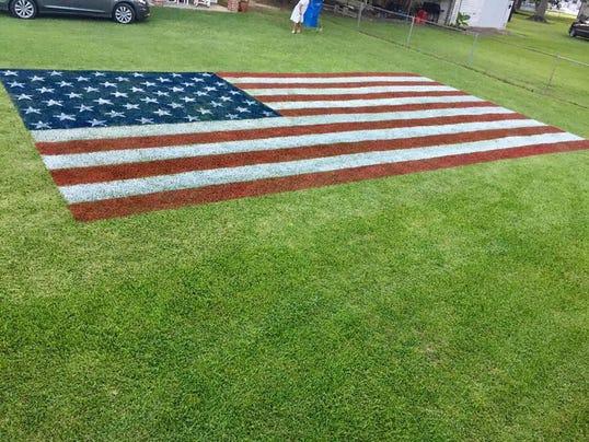 636348522525021027-yard-flag.jpg