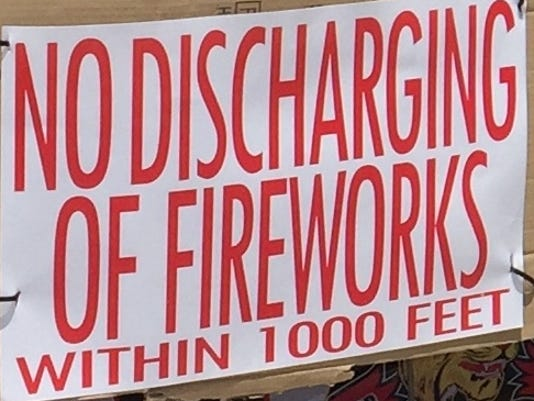636232991335631828-Sign-at-fireworks-stand.jpg
