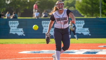 St. Thomas More softball headed to quarterfinals after run-ruling Teurlings Catholic