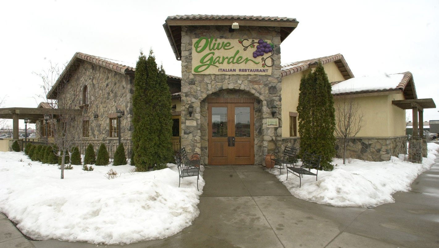olive garden hosting apollo high fundraiser